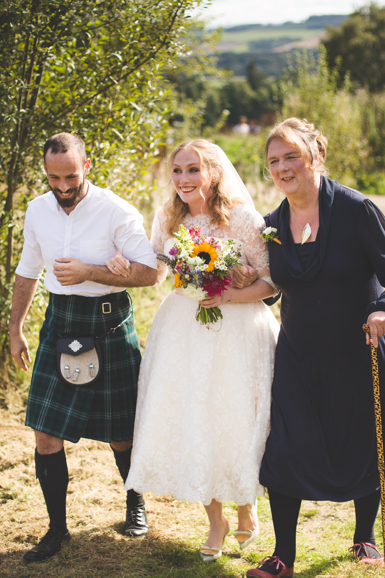 alternative-relaxed-comrie-croft-wedding-44