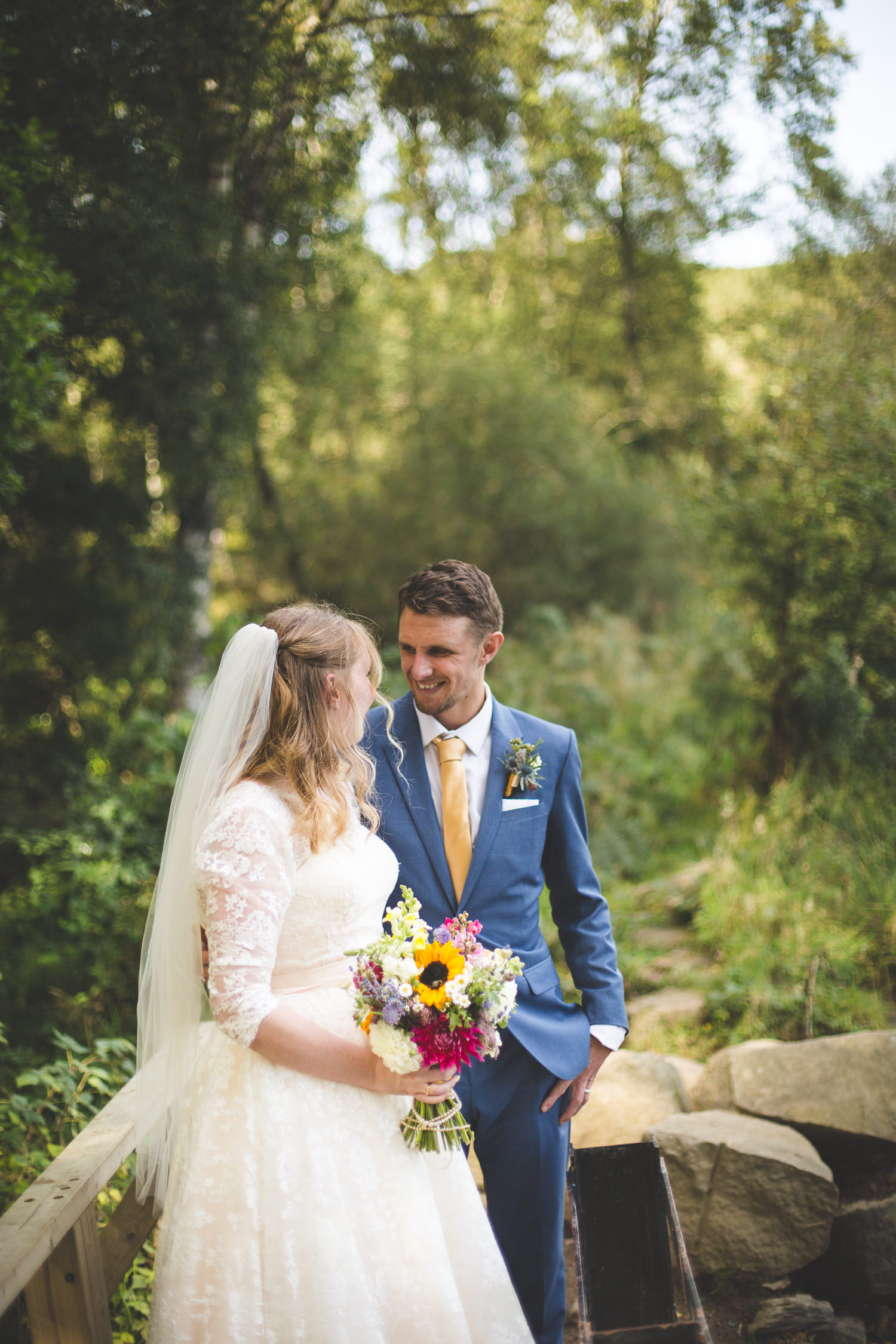 alternative-relaxed-comrie-croft-wedding-71
