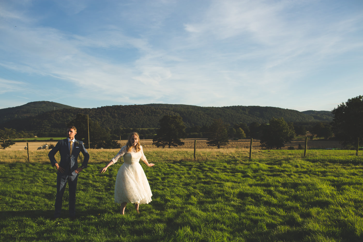 alternative-relaxed-comrie-croft-wedding-112