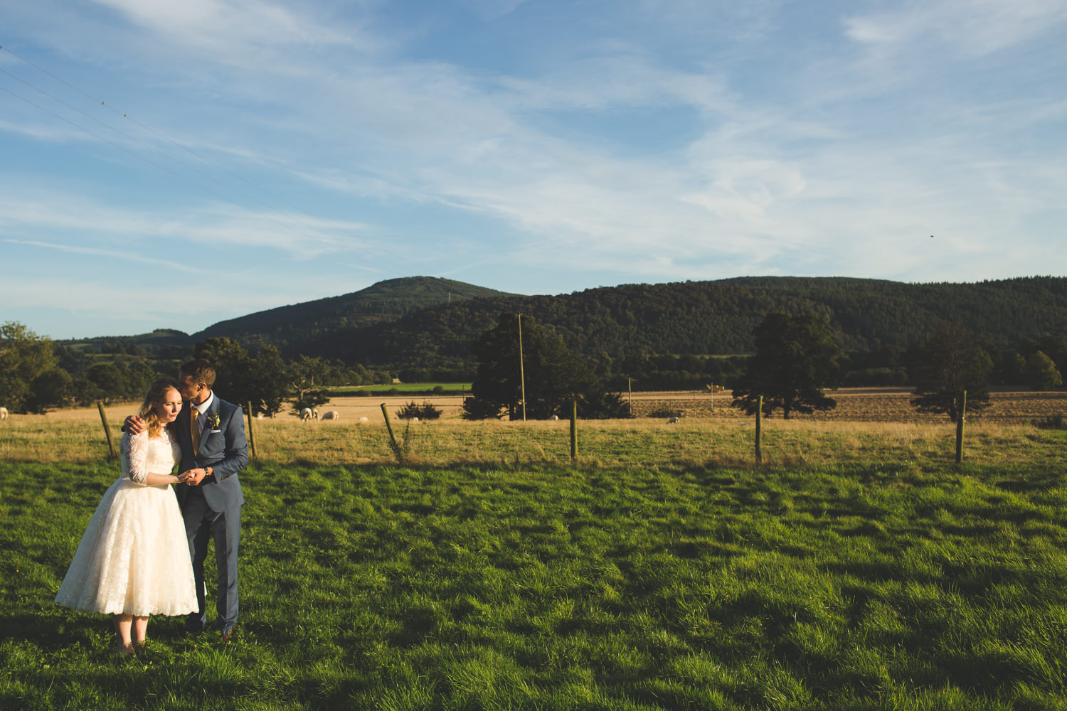 alternative-relaxed-comrie-croft-wedding-113