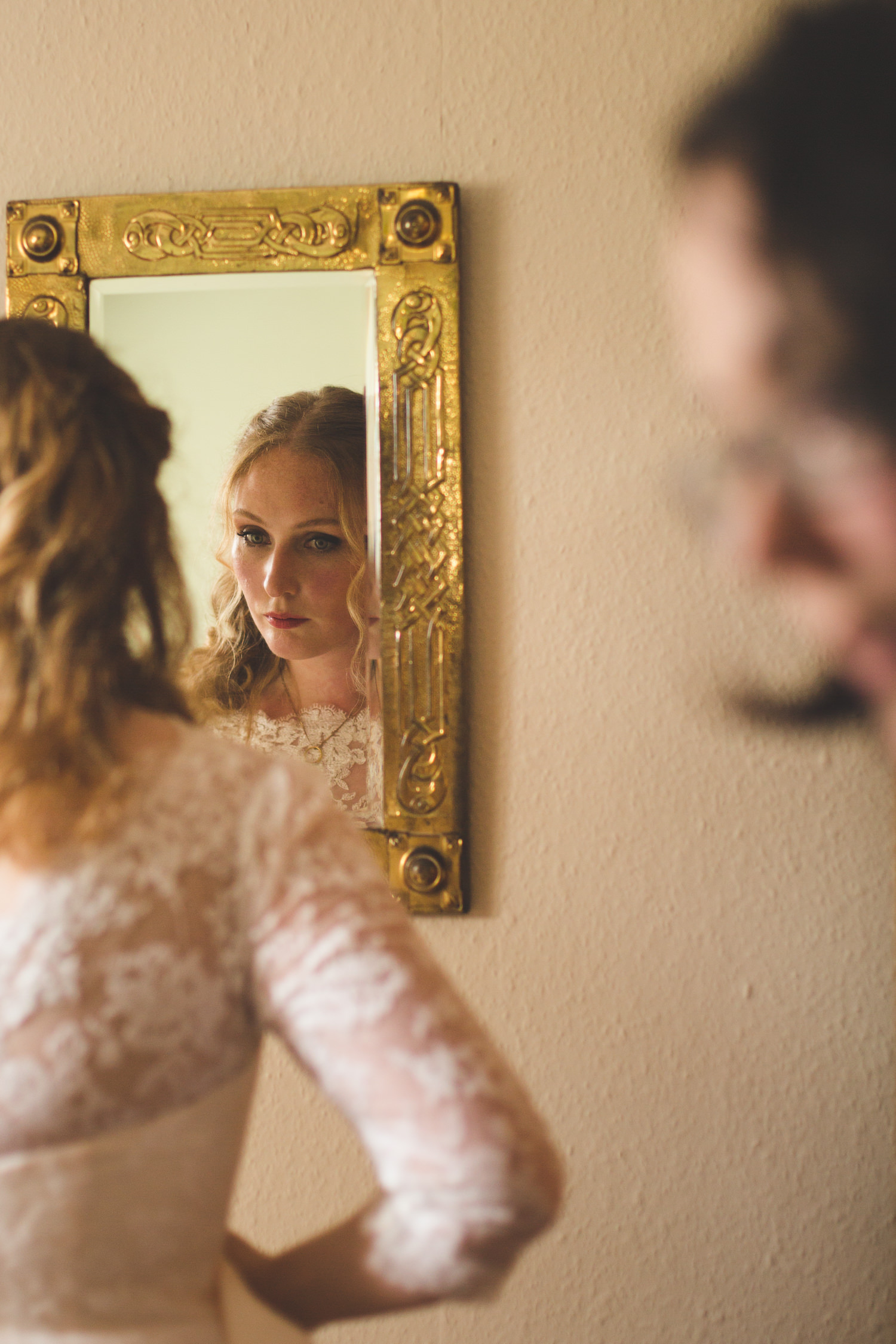 alternative-relaxed-comrie-croft-wedding-12
