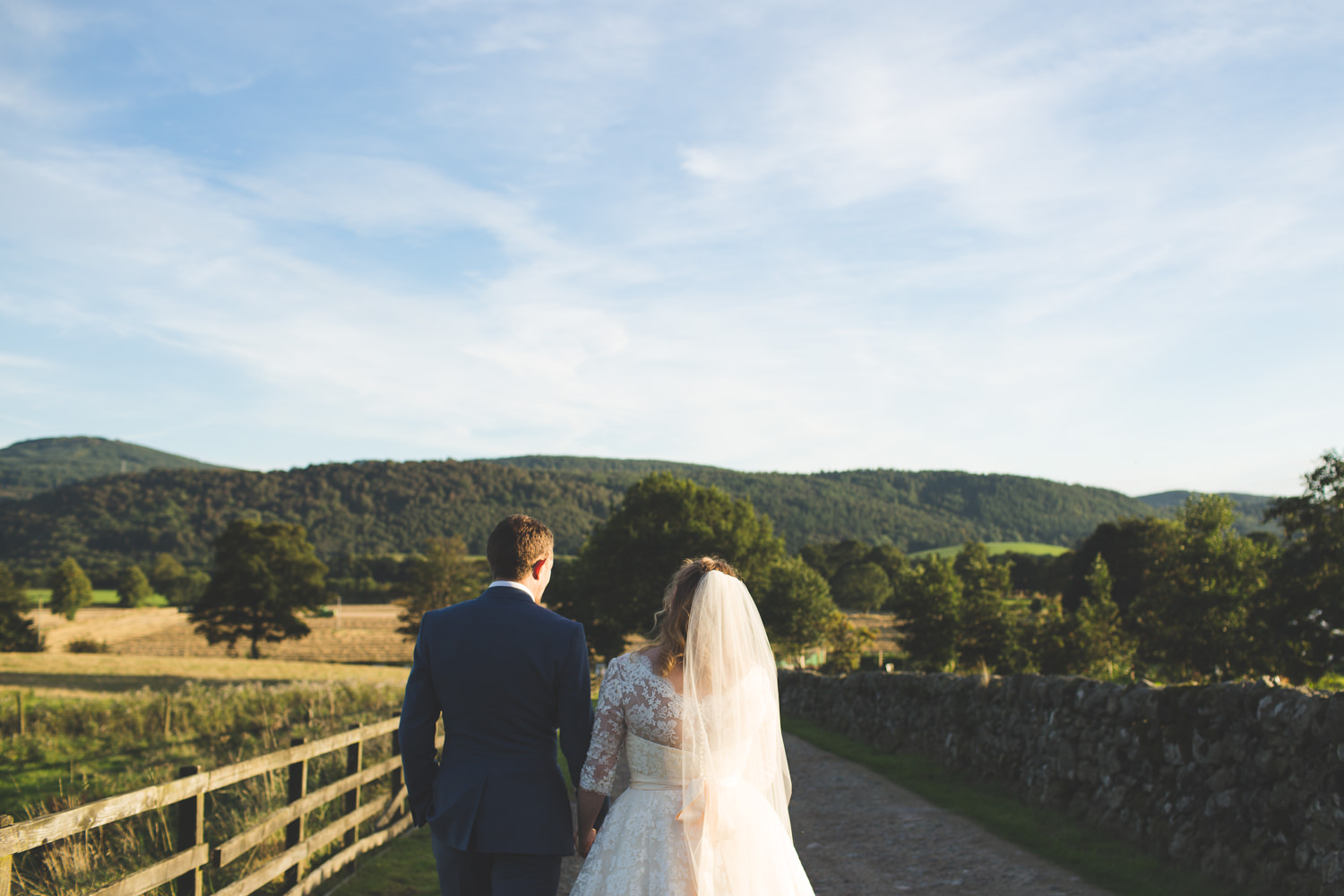 alternative-relaxed-comrie-croft-wedding-121