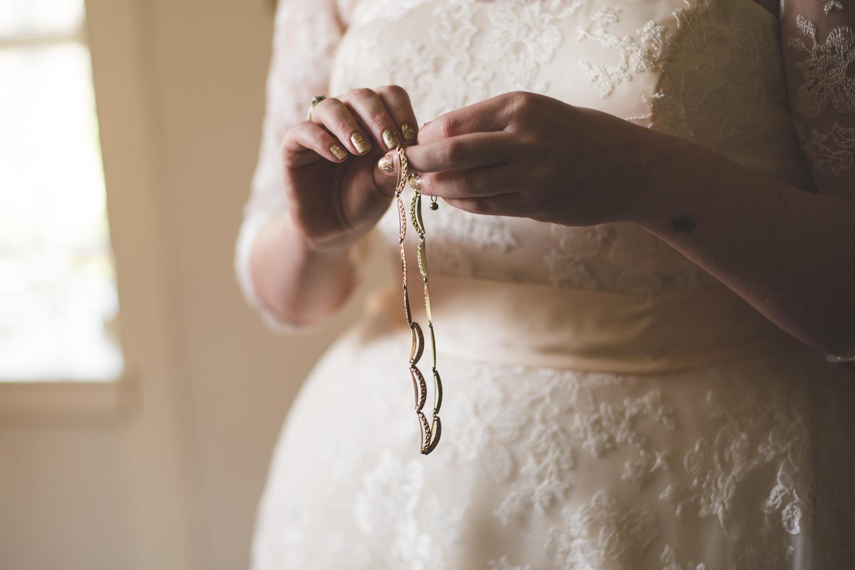 alternative-relaxed-comrie-croft-wedding-14