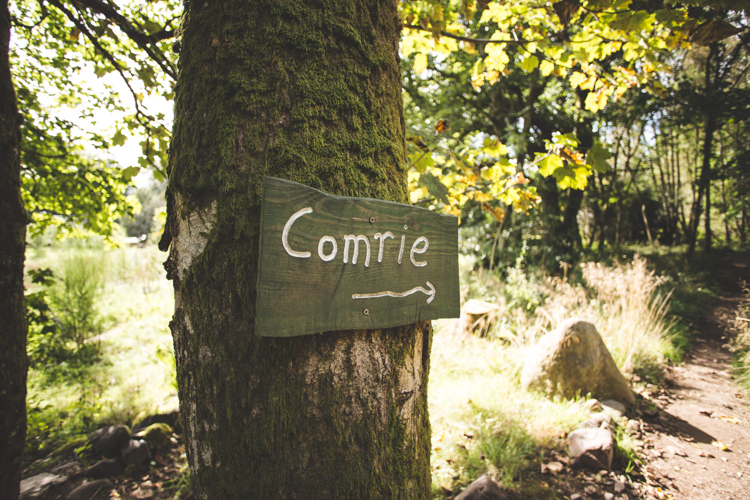 alternative-relaxed-comrie-croft-wedding-25