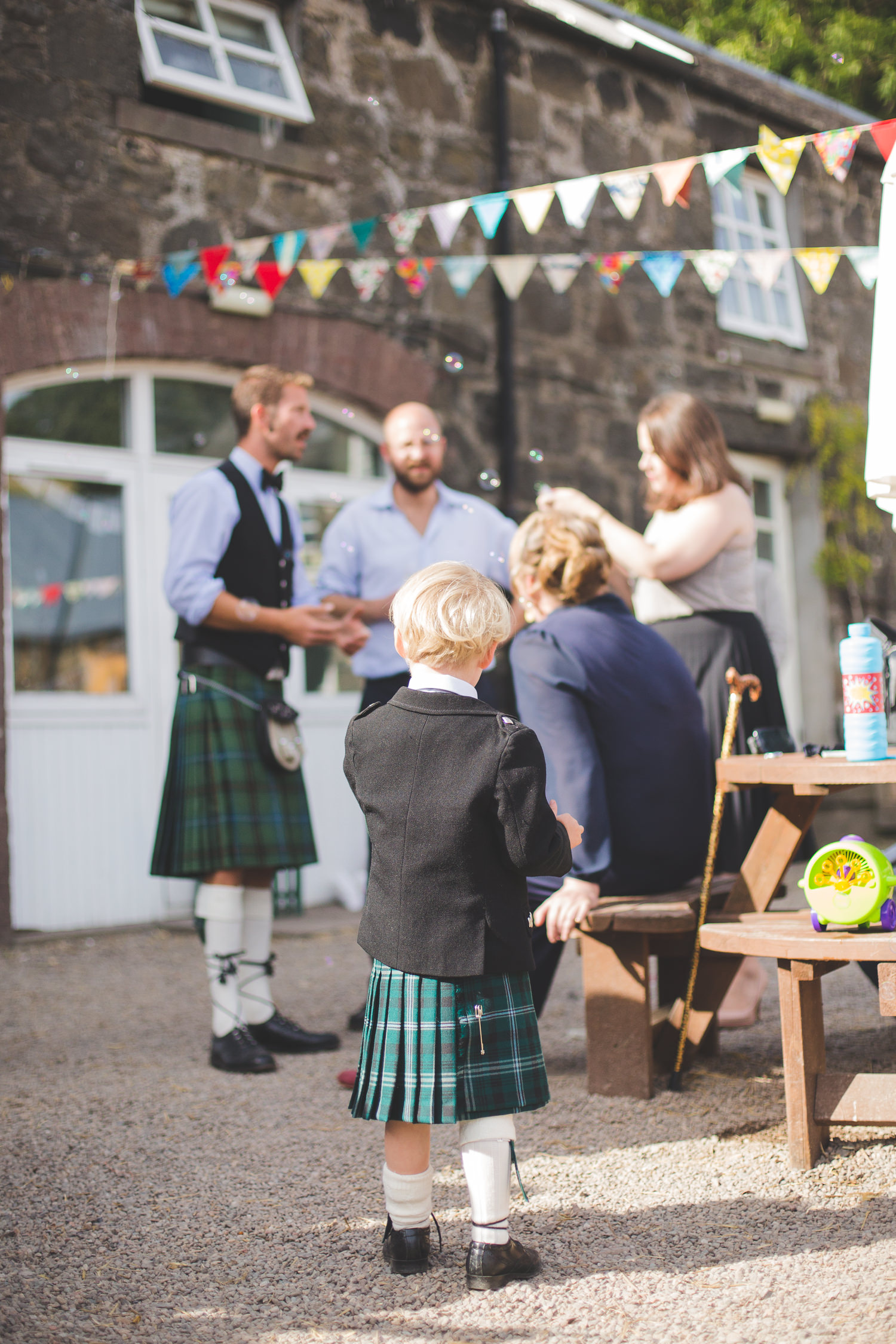 alternative-relaxed-comrie-croft-wedding-95